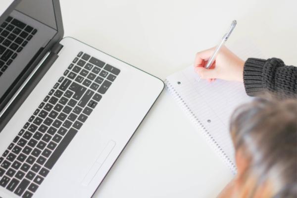Psaní záznamů v sociálních službách - analýza
